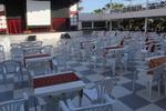 Градински пластмасови бели столове